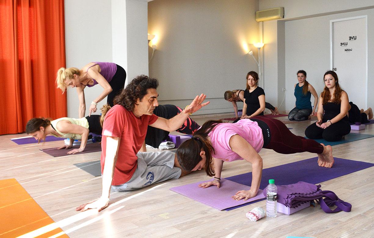 Μαθήματα Yoga & Εκπαίδευση Δασκάλων Yoga στο Ayama Yoga House Online & Live